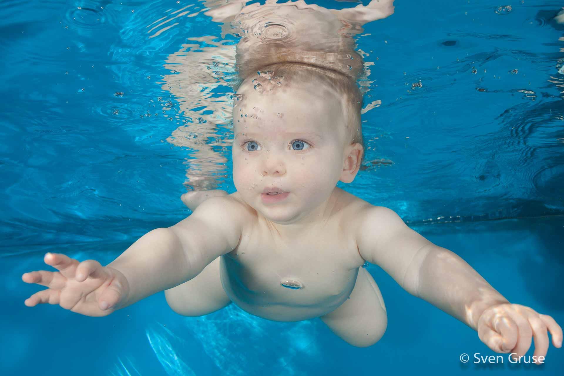 Babyschwimmen Unterwasserfoto